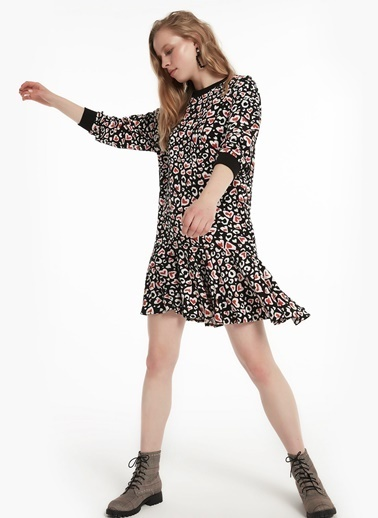 Twist Ribana Yaka Eteği Volanlı Elbise Siyah